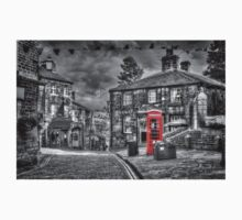 Haworth - Red Telephone Box Kids Clothes