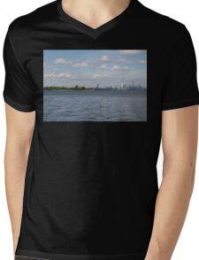 """Toronto (The 6) Skyline """"Halves"""" Mens V-Neck T-Shirt"""