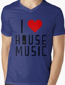 i love house music Mens V-Neck T-Shirt