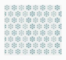 Seamless pattern with blue christmas snowflakes on white background Kids Clothes