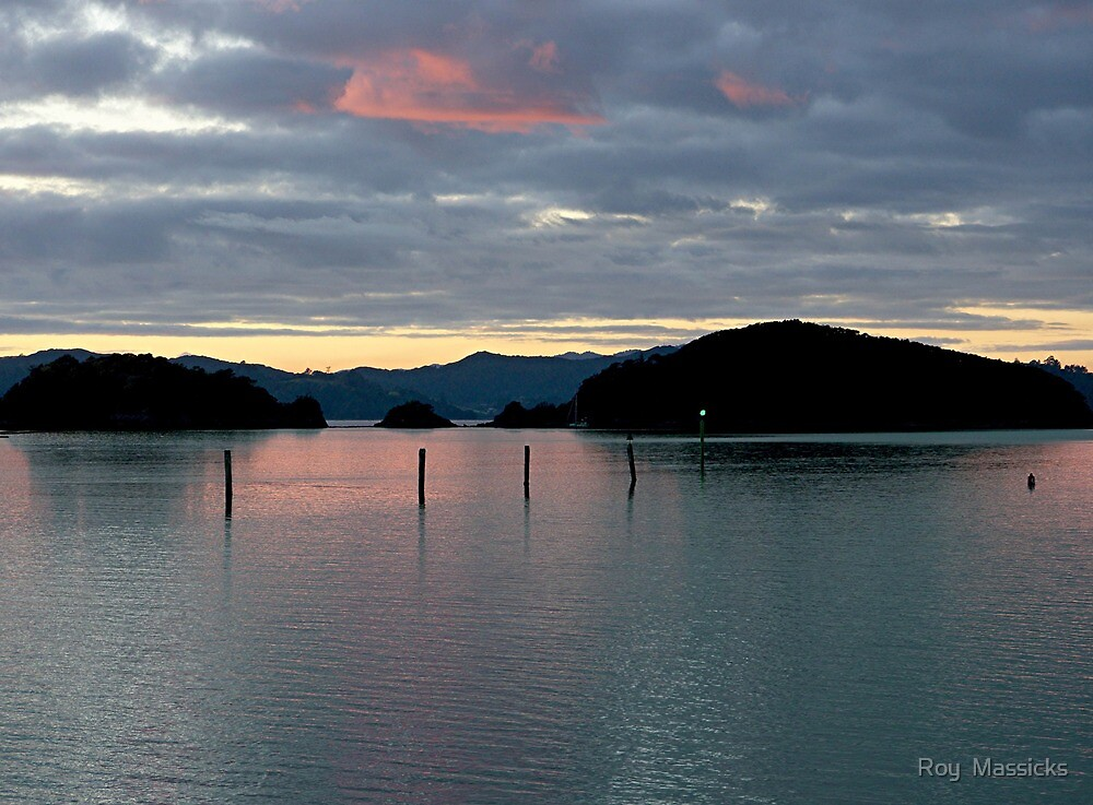 Gateway to the Bay of Islands .........! by Roy  Massicks