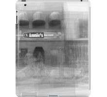 Annie's Bar and Grill Toronto iPad Case/Skin
