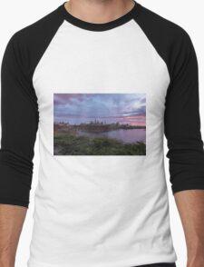 City landscape at sundown Men's Baseball ¾ T-Shirt