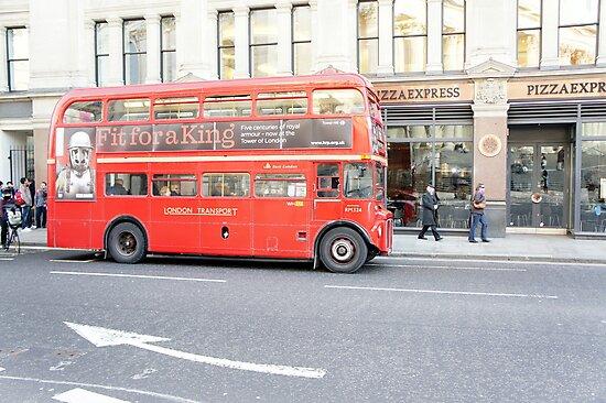 London - Red bus by santoshputhran