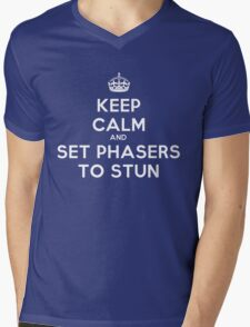 Keep calm and set phasers to stun Mens V-Neck T-Shirt