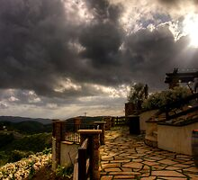 Cloud Break at Oak Glen by Benjamin Curtis