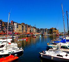 the small harbor of Honfleur by supergold