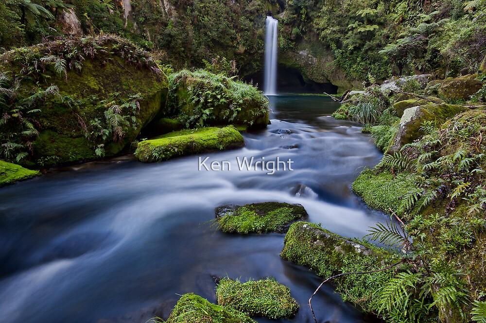 Omanawa falls drift by Ken Wright