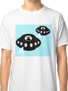 Alien invasion Classic T-Shirt