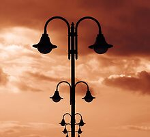 Street light poles aligned by Mauro Rodrigues