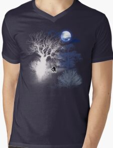 HOWLING MOON Mens V-Neck T-Shirt