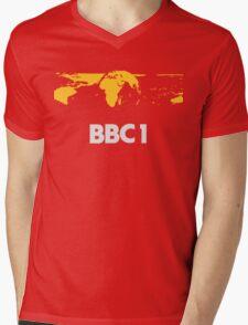 Retro BBC1 world globe ident Mens V-Neck T-Shirt