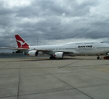 Qantas 747 by amkaberry