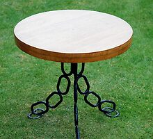 CROFT HOUSE FURNITURE ARTISAN STEVE MALLENDER - CHAIN PEDESTAL BASE TABLE  by Tuartkatz