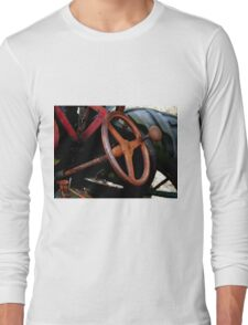 Rusty steering wheel Long Sleeve T-Shirt