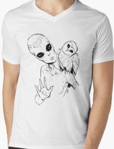 Alien Greeting Mens V-Neck T-Shirt
