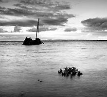 Ship wreck by Grant Glendinning