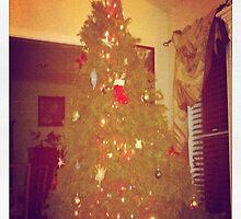 Christmas Tree by kaikai7
