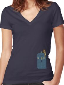 Doctor Whoooo Women's Fitted V-Neck T-Shirt