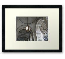 LONDON LAMP Framed Print