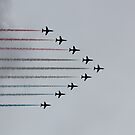 Red Arrows horizontal by Jasna