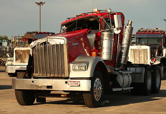 Truck 7941 by Thomas Murphy