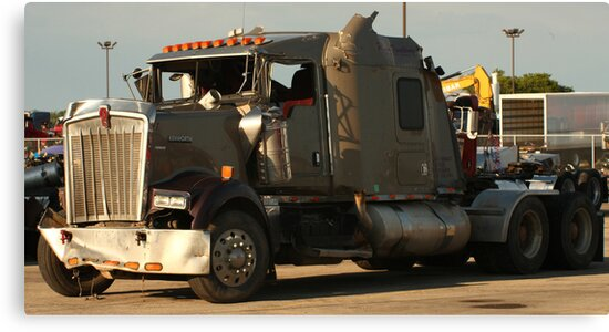 Truck 7942 Green by Thomas Murphy
