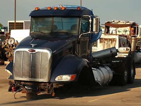 Truck 7944 by Thomas Murphy