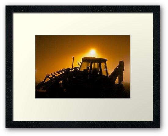 Fog Light Digger by Lucas Modrich