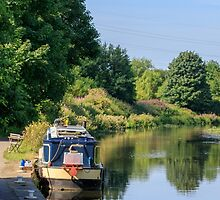 barge on the canal  by chris2766