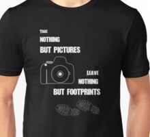 TAKE NOTHING BUT PICTURES Unisex T-Shirt