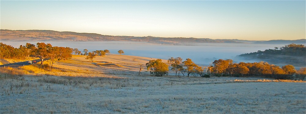 Frosty Valley by peasticks