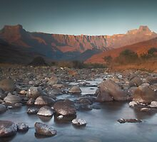 Early morning light on Amphitheater by Kenji Ashman