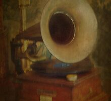 His Masters Voice by Catherine Hamilton-Veal  ©
