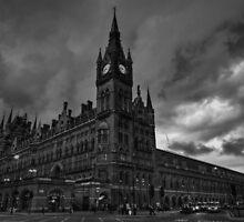 London 011 BW by Lance Vaughn