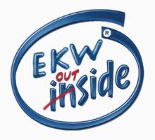 Ein Kleines Wir Outside by MaxL