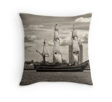 The Bounty Sails Again Throw Pillow
