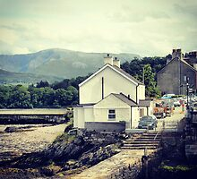Bangor, Wales UK by blackbush