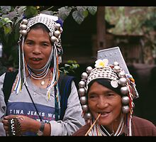 Akha Women by Rob Steer