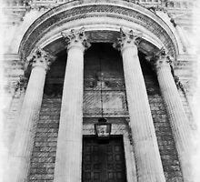 The Front of St Paul's Cathedral by PictureNZ