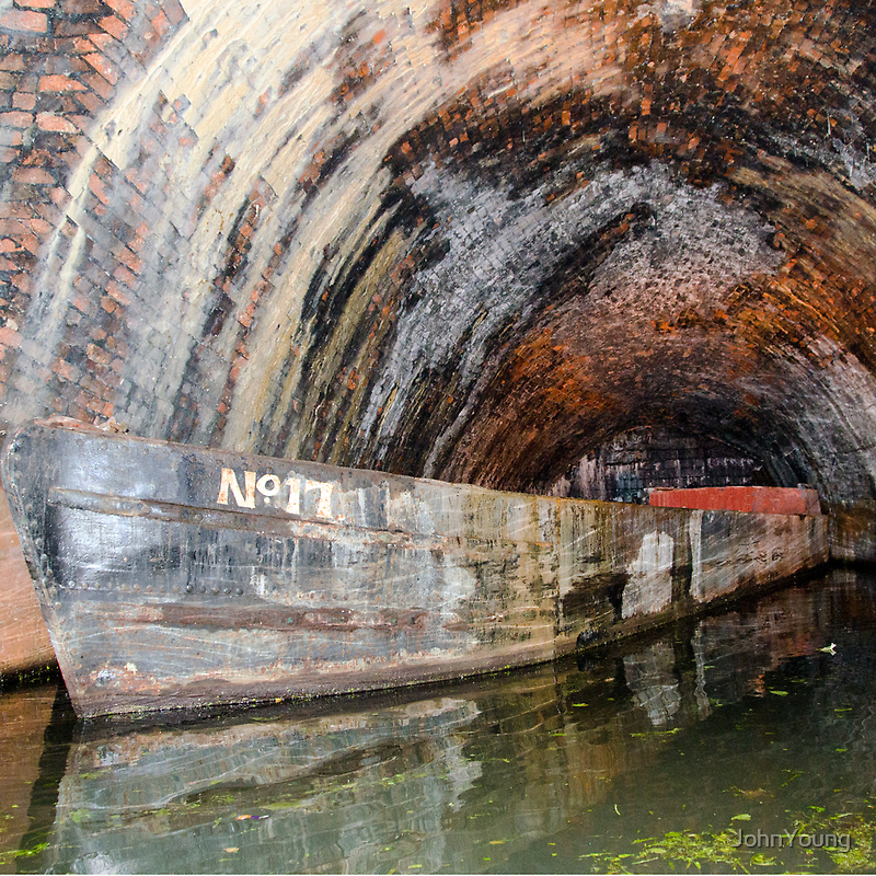 Narrow Boat Underground by JohnYoung