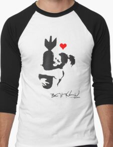 Banksy Hugger Red Men's Baseball ¾ T-Shirt