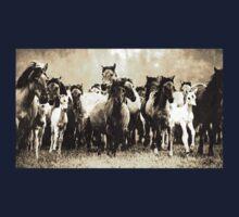 Wild nature - horses Kids Tee