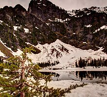 Heather Lake by Dale Lockwood