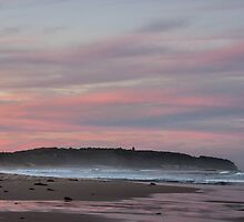 Caves Beach sunset by LeahK