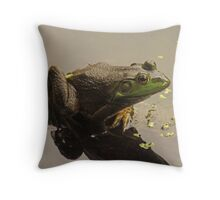 Frog 8376 Throw Pillow