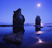 Tongaporutu beach under moonlight - North Island NZ by Mark Shean