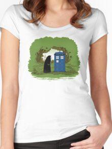 Curious Faceless Spirit Women's Fitted Scoop T-Shirt
