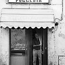 Polleria close to Florence  by gluca