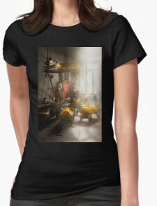 Banker - Worth its weight in gold Womens Fitted T-Shirt